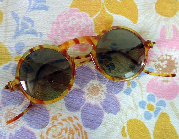 Vintage Sun Glasses 1940's Tortoise Shell Design Round Shape
