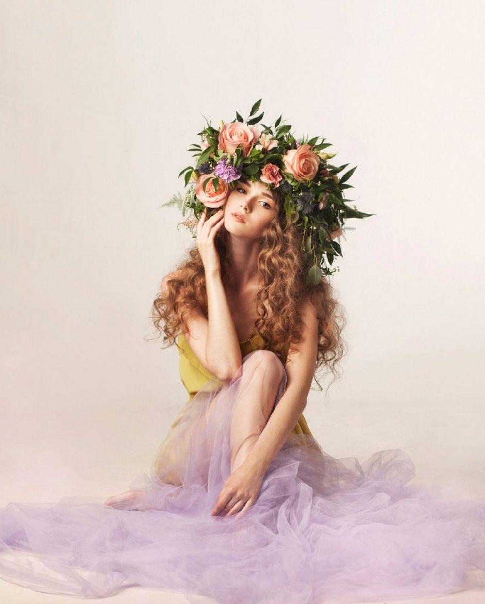 Картинки девочка сидит на цветке