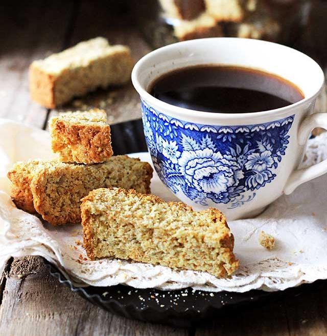 Brown Buttermilk Rusks Absolutely Delectable With A Big Cup Of Tea Or Coffee Rusk Recipe Buttermilk Rusks Food