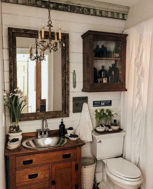 34 Inspiring Rustic Farmhouse Bathroom Decorating Ideas In 2020 Rustic Bathrooms Farmhouse Bathroom Decor Bathroom Interior Design