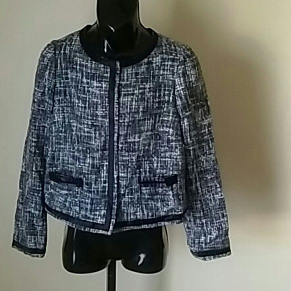 f9378bc42cf LADIES MAURICES TWEED JACKET SIZE LARGE BLACK WHIT Still in good conditions  total length 26