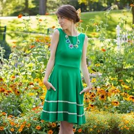 A casual and colorful idea for outdoor wedding guest attire!