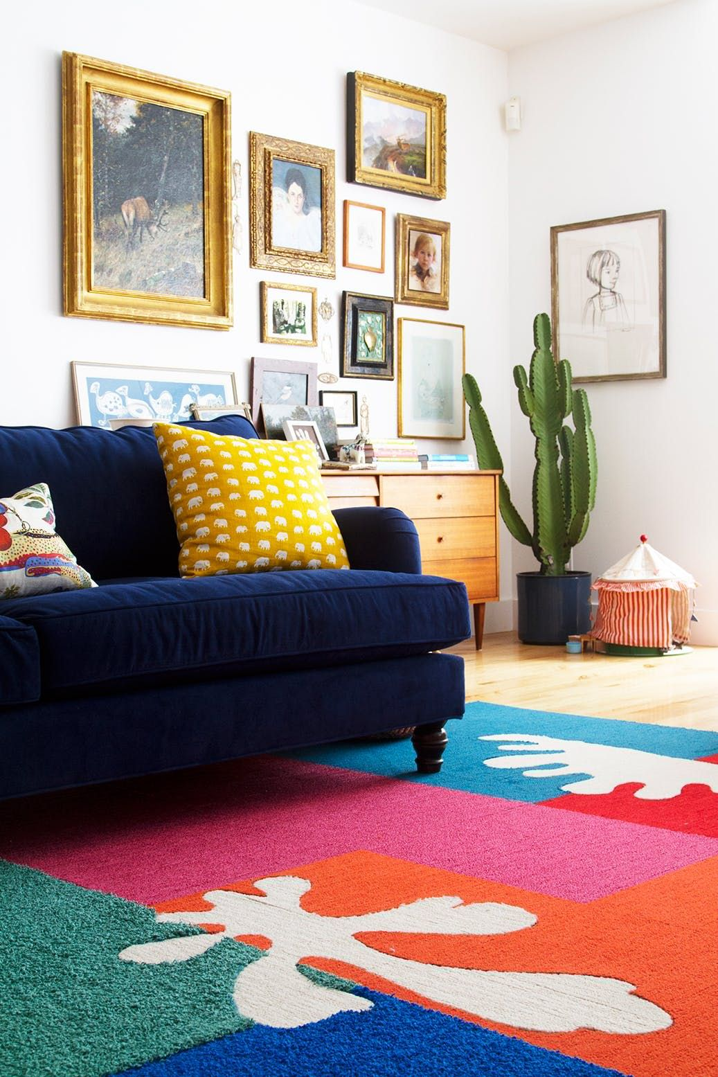 Marvelous High Impact DIY Upgrades To Transform A Rental Living Room
