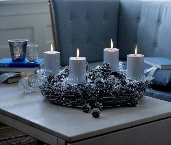 silberner adventskranz zapfen basteln adventskranz. Black Bedroom Furniture Sets. Home Design Ideas