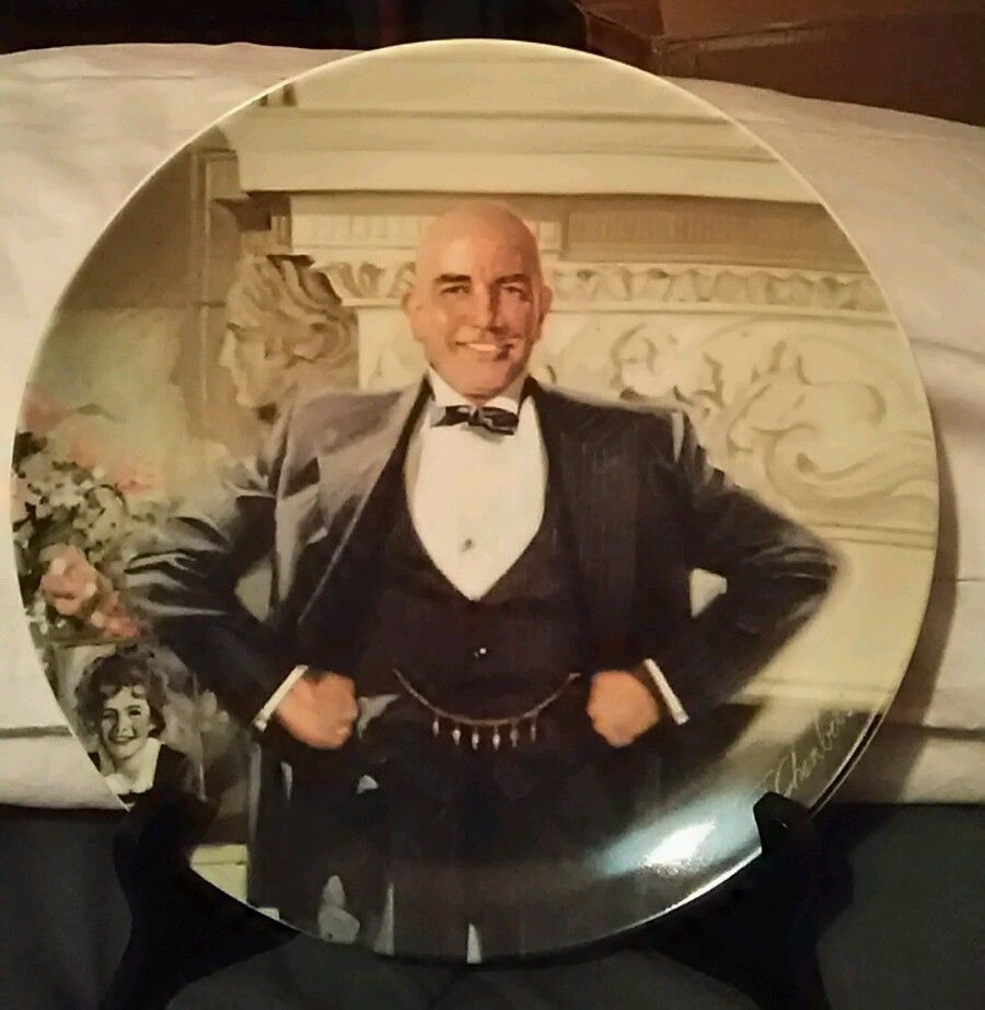 Knowles Collector Plates #C6378 1982 Daddy Warbucks Little Orphan Annie Series