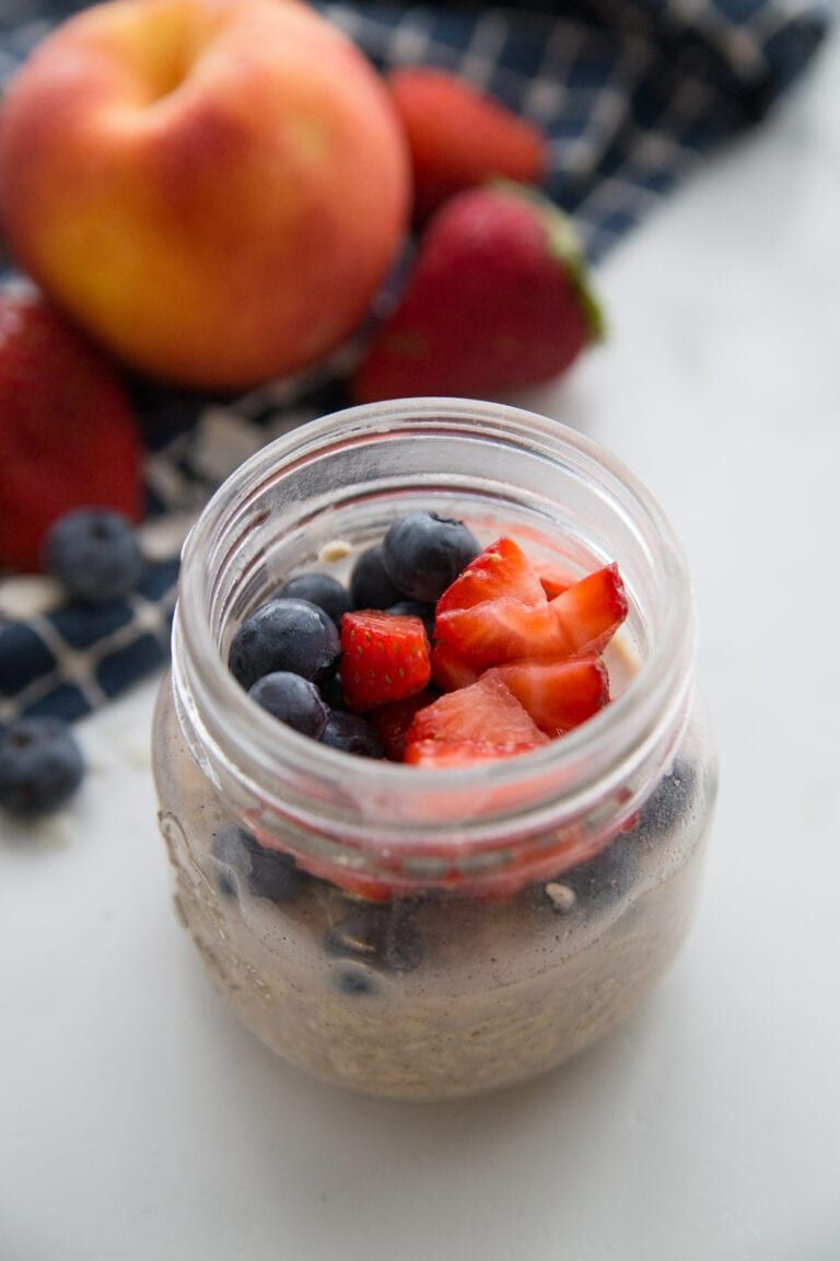 An easy tutorial on how to prepare overnight oats five
