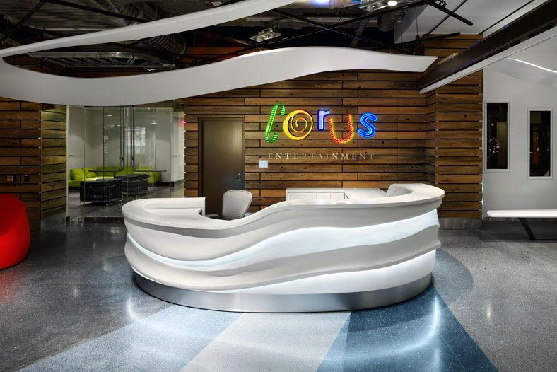 Reception desk corus entertainment 39 s headquarters in for Modern office area