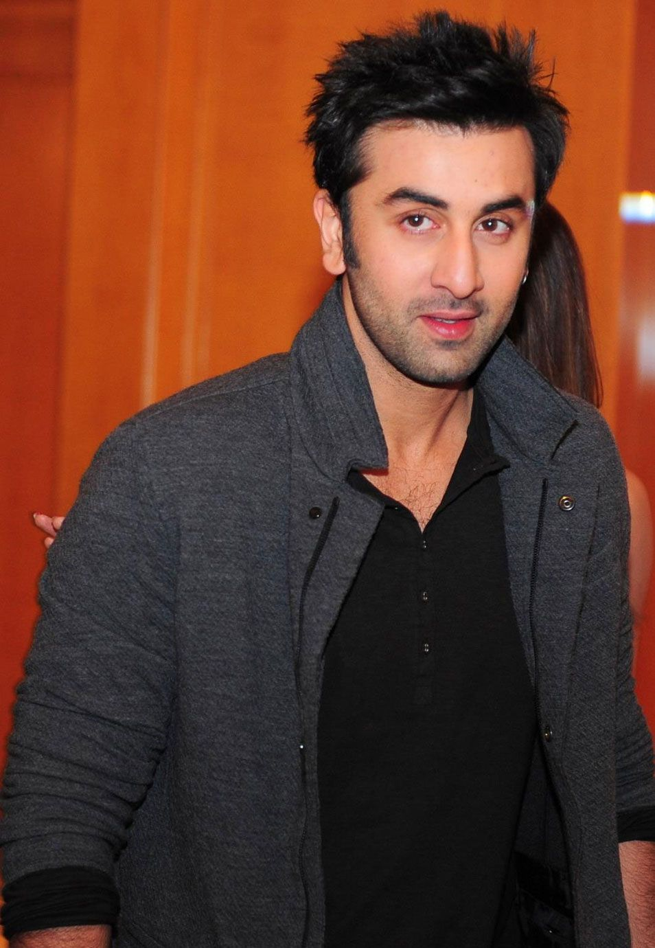 handsome ranbir kapoor new wallpapers images download ranbir kapoor bollywood celebrities bollywood actors handsome ranbir kapoor new wallpapers