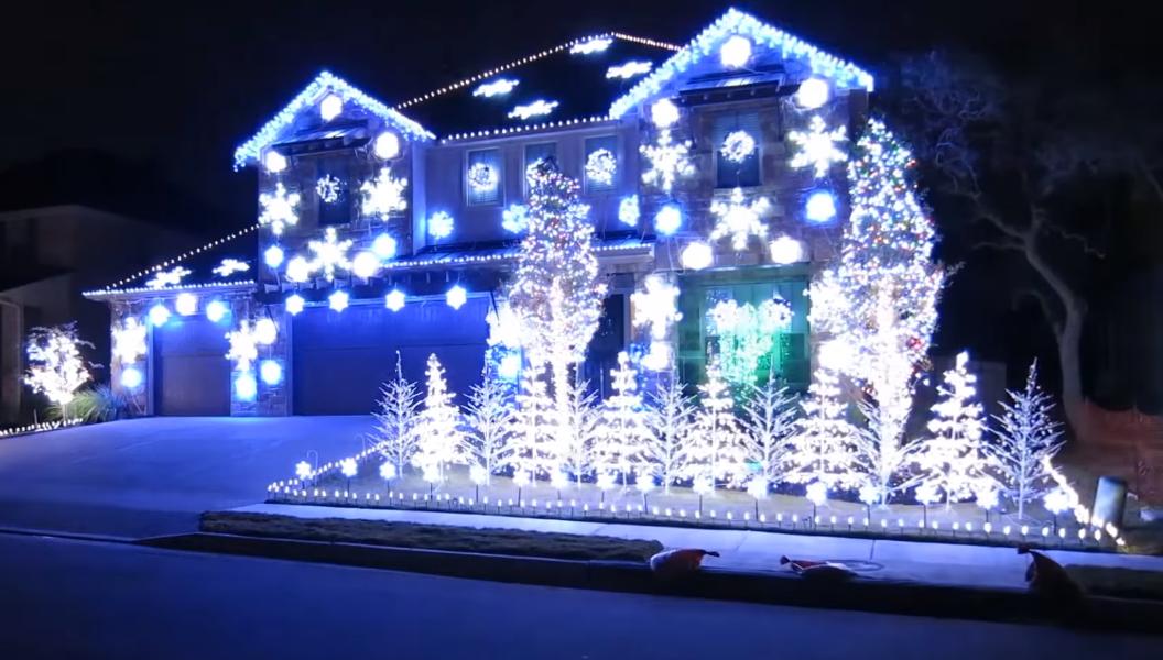 Family Rigs Christmas Light Show To Florida Georgia Line S Get