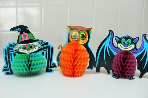 vintage Beistle honeycomb spider, owl, and bat Halloween decoration set