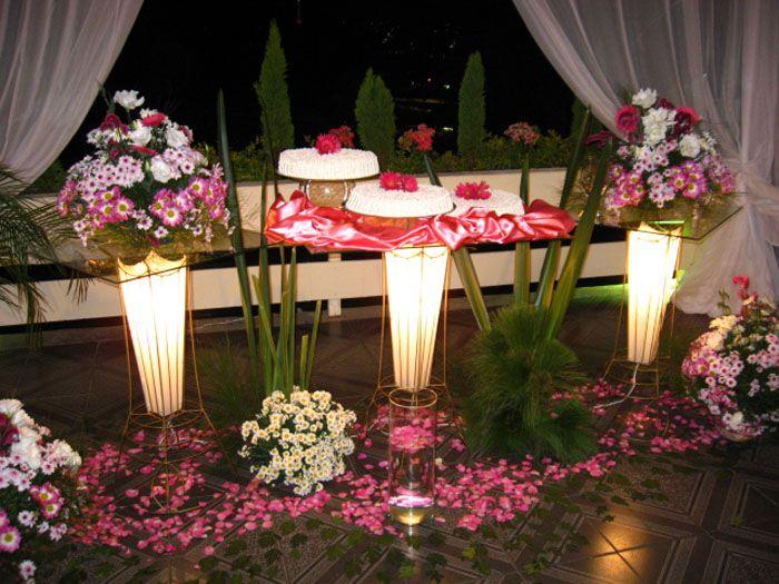 Decoração da mesa do bolo de casamento. http://decoracaodecasamento.blog.br/