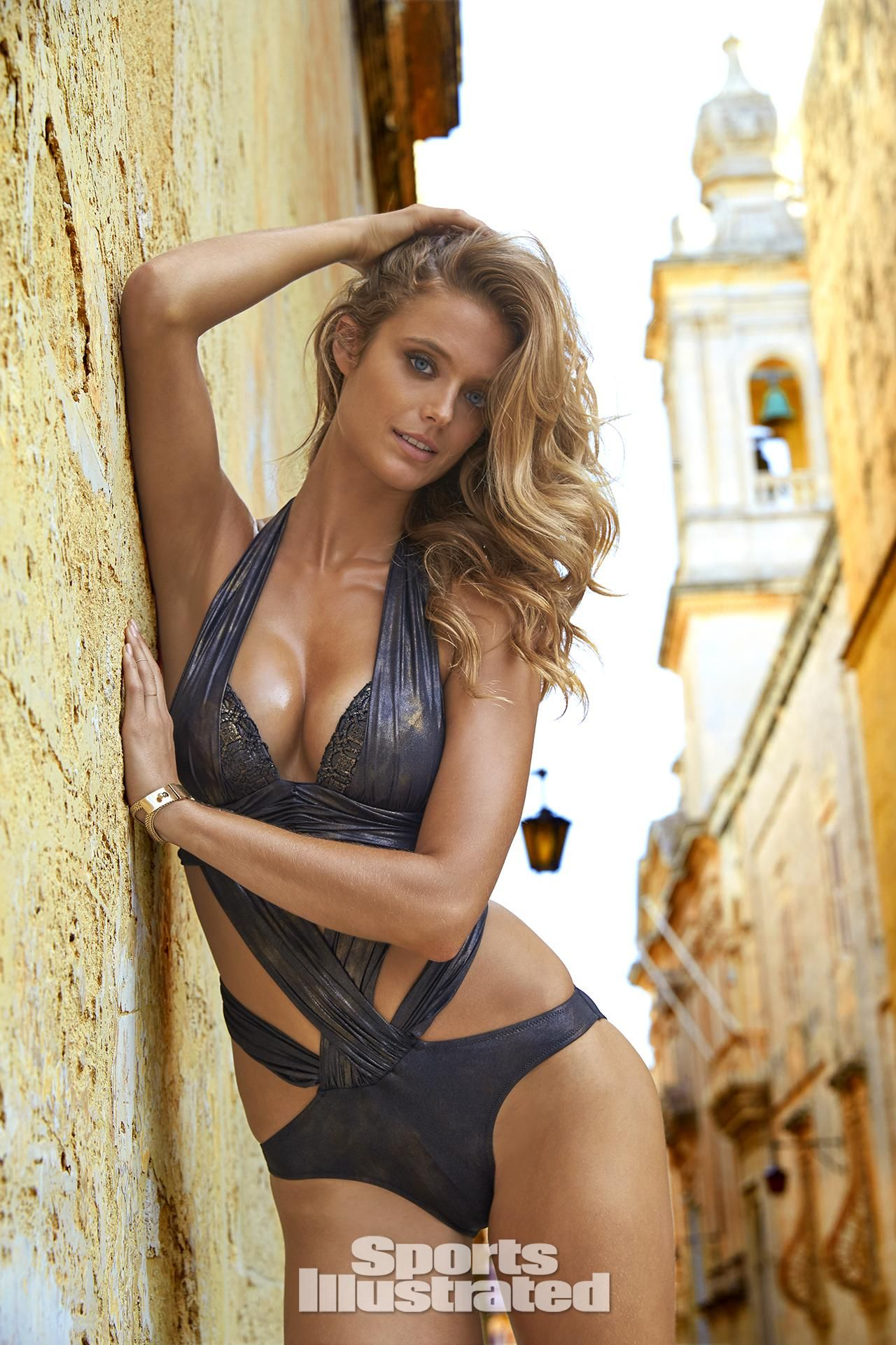 9a3b92720888f Kate Bock Swimsuit Photos