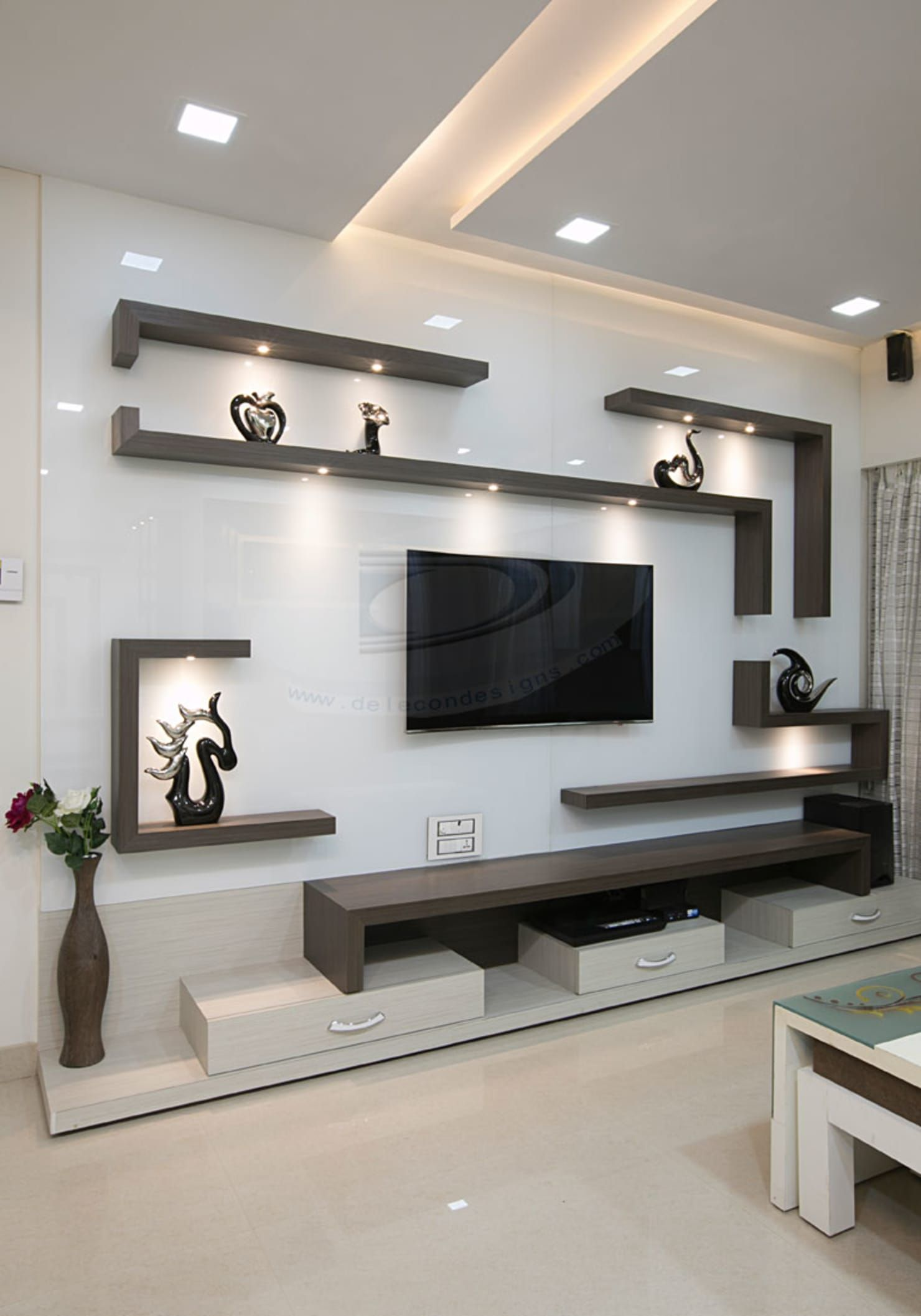 Mr Lalit Sharma S Residence In Kharghar Delecon Design Company Minimalist Living Room Wood Brown Homify Living Room Tv Unit Designs Tv Unit Interior Design Living Room Tv Unit