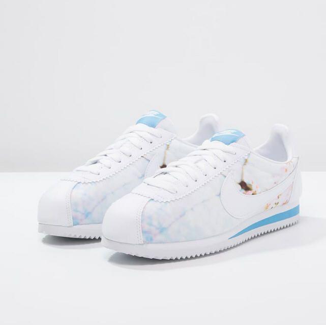 reputable site 246e3 bc488 ... Nike Sportswear CLASSIC CORTEZ Baskets basses white university blue  prix Baskets Femme Zalando 95.00 ...