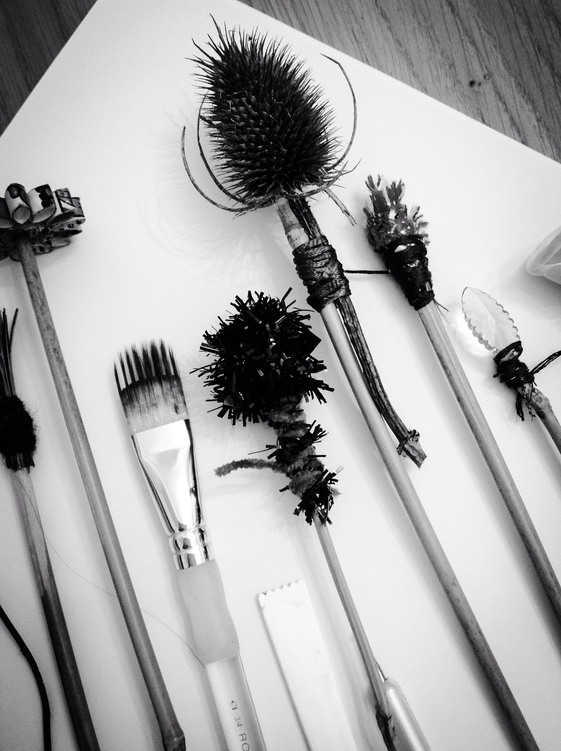 Homemade mark making tools ready for a Skills Workshop by ArtPad Studio…                                                                                                                                                     Mehr