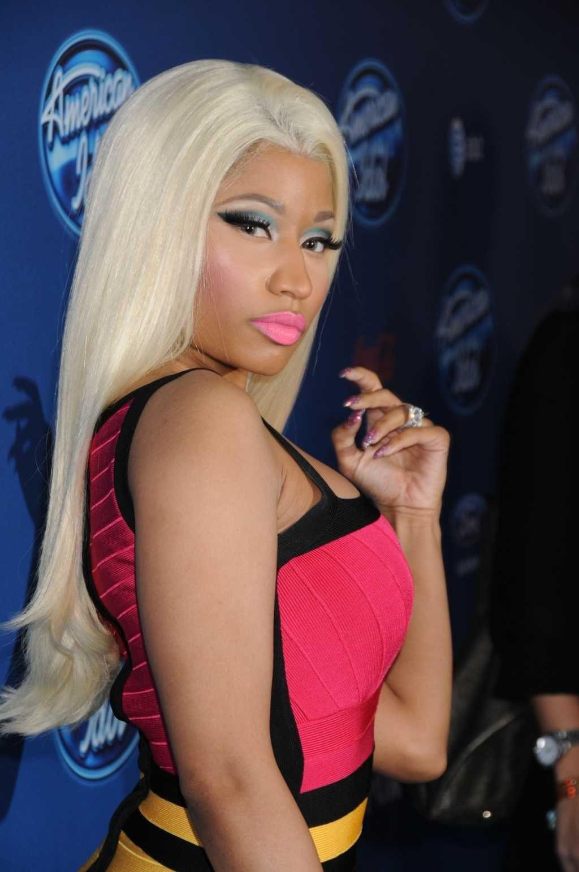 Pin By I Don T Have A Business On Nicki Minaj Platinum Blonde Hair Nicki Minaj Photos Nicki Minaj