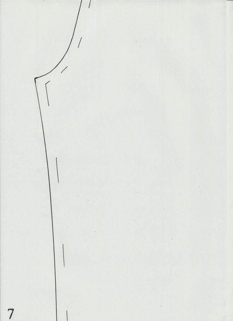 MOLDE DE CASACO SENSUAL As linhas arrojadas caracterizam esta peça, tornando-a sensual e vistosa. O casaco é simples de confeccionar, uma vez que depois de