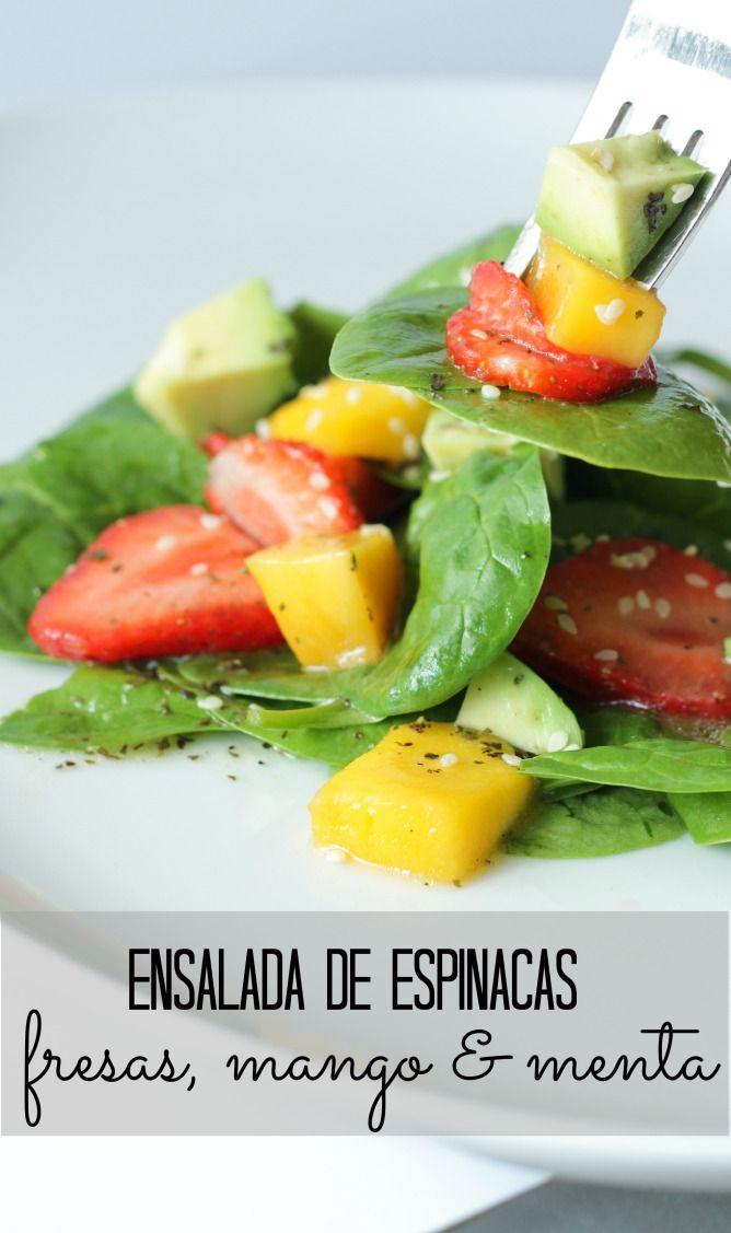Ensalada de espinacas con fresa, mango & menta