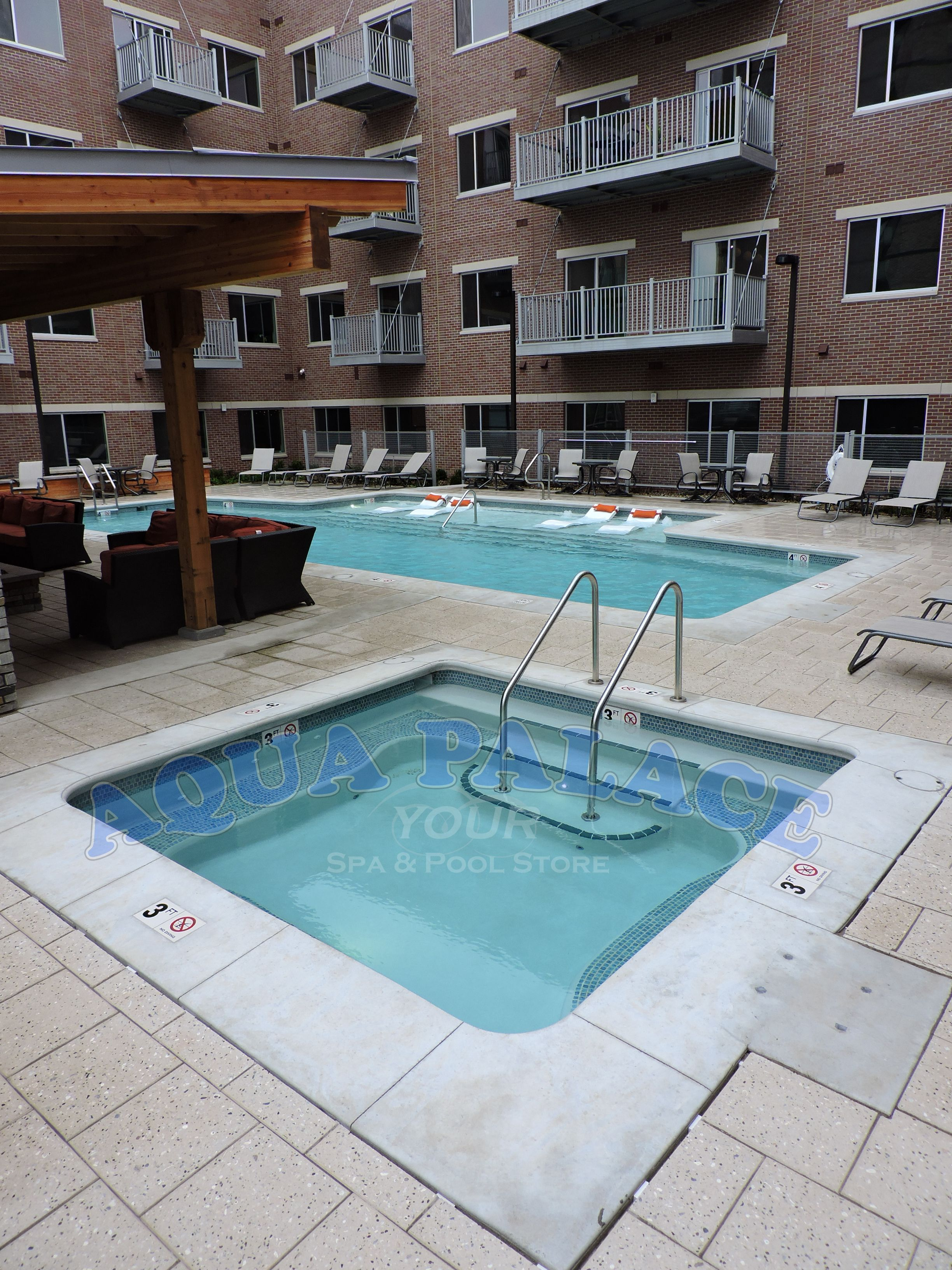 Custom Gunite Swimming Pool In Downtown Omaha Ne Apartment Complex With Gunite Custom Spa Spa