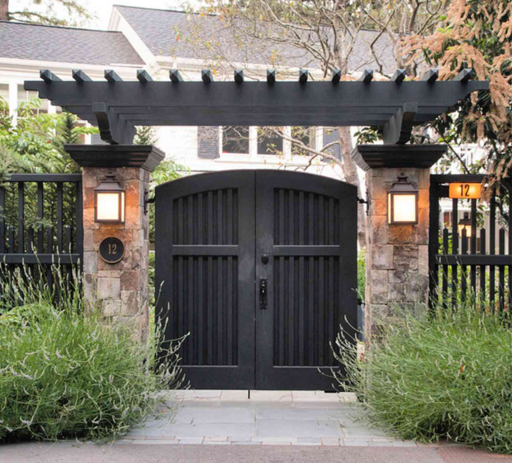 Modern Pergola Over Gate Google Search In 2020 House Gate Design Front Gate Design Garden Gate Design