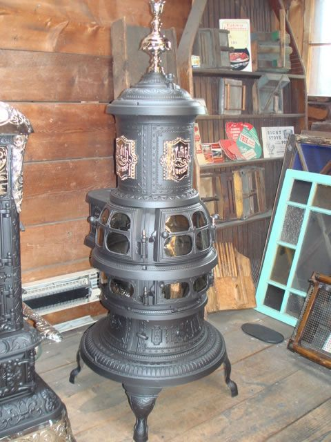 Find this Pin and more on Stufe, piece e stoves. Antique Stove, Wood ... - I Need A Parlor Stove In My Home:) Stufe, Piece E Stoves