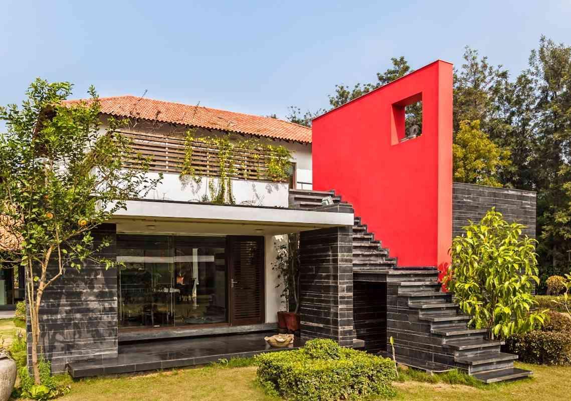Farmhouse by architect kumar moorthy associates
