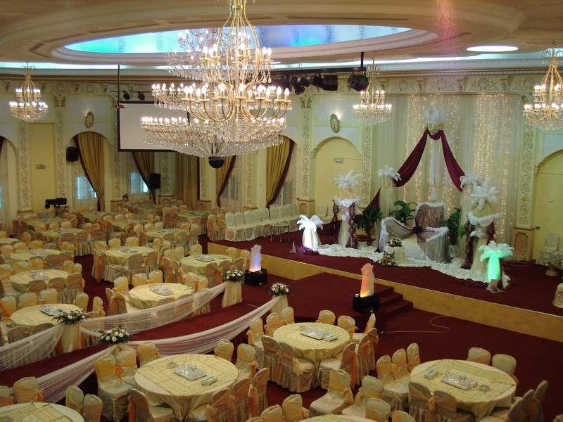 قاعة الف ليلة بجده أروع القاعات بالصور Ceiling Lights Hall Chandelier