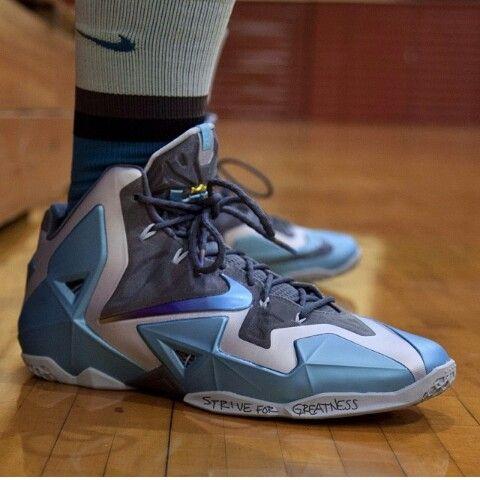 conservador Frotar Decir a un lado  Nike basquet futuristas azul con blanco platinados | Zapatillas nike, Nike,  Zapatillas