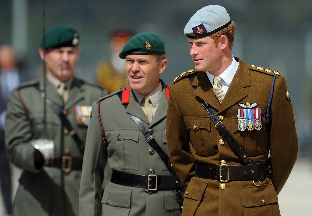 Pin by dedino je on beretke i oznake prince harry royal marines marines - Royal marines recruitment office ...