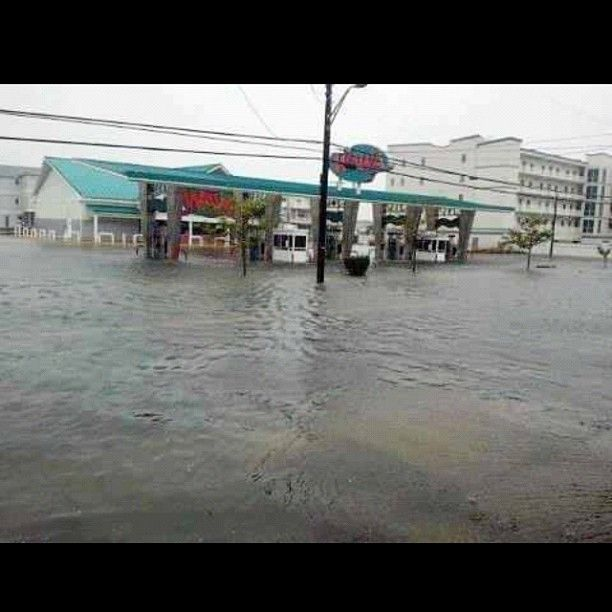 From Hurricane Sandy Cape May To Atlantic City N J Story By Buffy Andrews On Storify Http Storify Com Buffyandre Hurricane Sandy Cape May Atlantic City