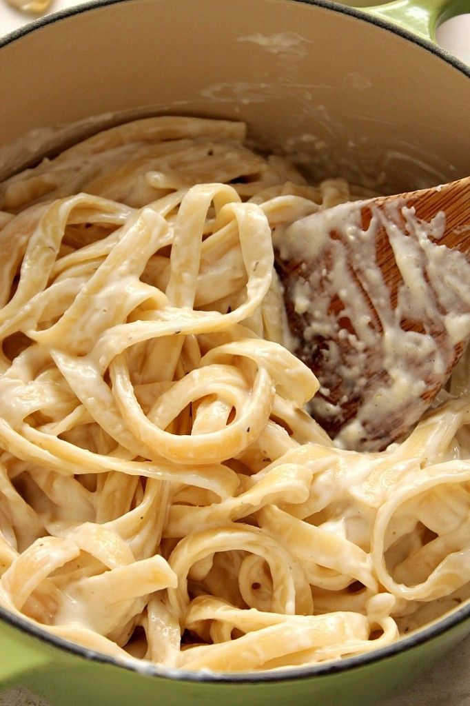 Homemade Alfredo Sauce recipe - the best garlic Parmesan pasta sauce I've ever made! Just a few simple ingredients is all you need to make it. Also, I am sharing my trick to make it's super speedy version.