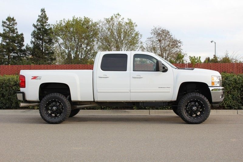 Got My Hands On A 2011 2500hd Quick Over View Build Pics 4 Lift Page 2 Chevy And Gmc Duramax Diesel Forum Duramax Duramax Diesel Cool Trucks