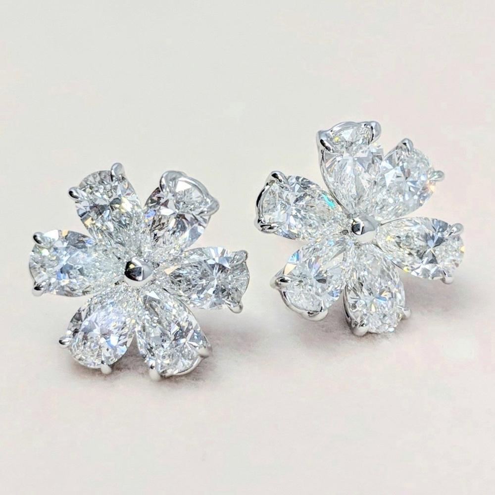 Diamond Flower Stud Earrings Von Bargen S Jewelry Diamond Earrings Studs Round Graff Diamonds White Diamond Earrings