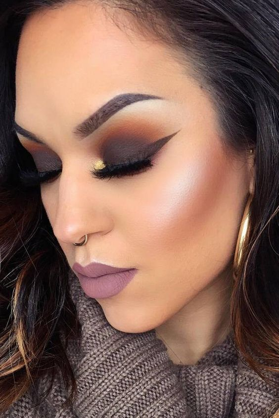 27 best winter makeup looks for the holiday season. Black Bedroom Furniture Sets. Home Design Ideas