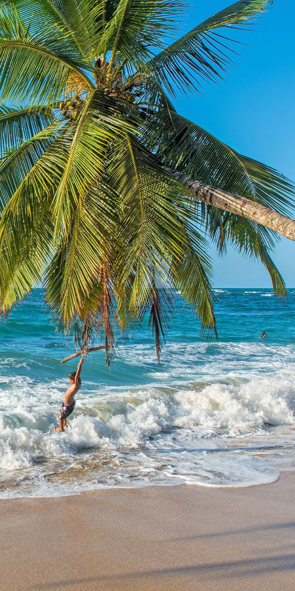 Roatan Honduras Honduras Has A Vast Blend Of Cultures Including Influence From Hondurans From The Mainland Ex Pats Descenda Urlaub Landschaft Urlaubsorte