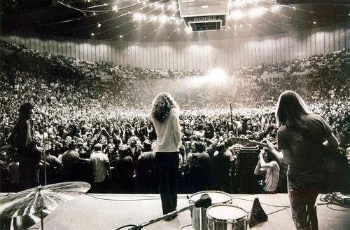Led Zeppelin en vivo. Sin pantallas, artificios, puro r'n'r!