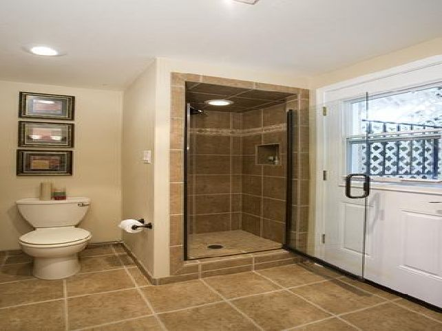 Small bathroom in a basement design ideas plans bathroom for Basement bathroom ideas