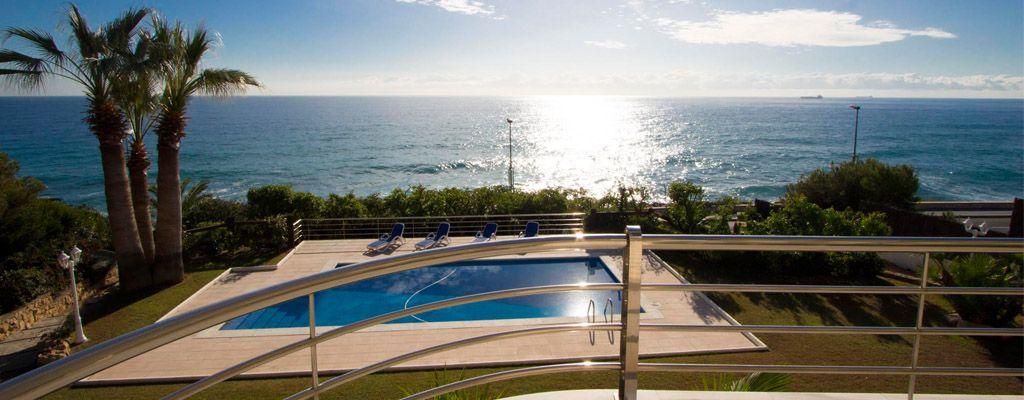 Barcelone est un meilleur endroit pour des vacances pour profiter - location saisonniere avec piscine privee