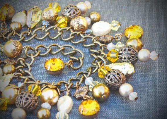 love this gorgeous vintage rhinestone bracelet!