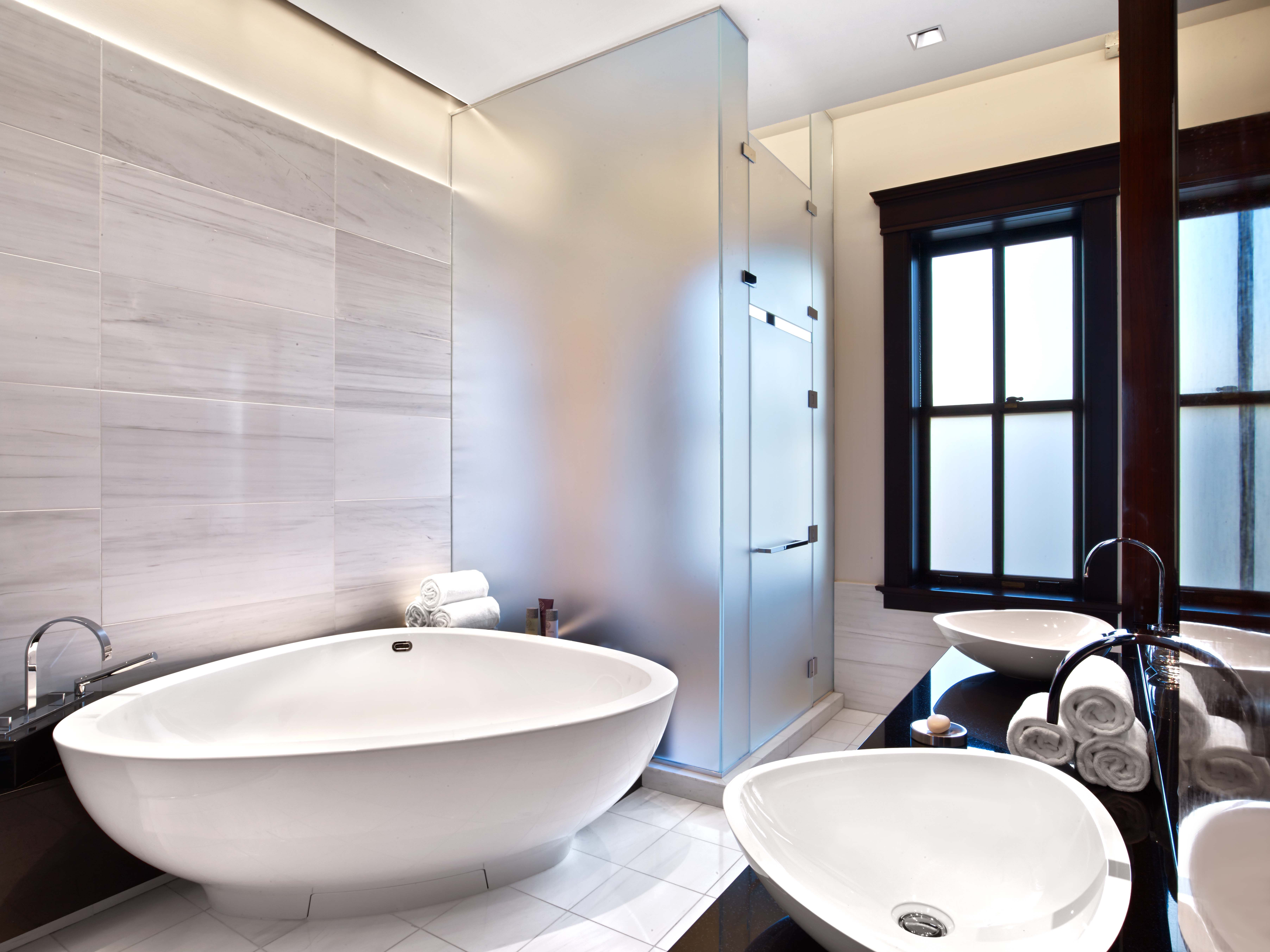 Penthouse Master Bathroom At The Joule