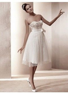Beautiful A-line Sweetheart Knee-length Tulle Beach Wedding Dress