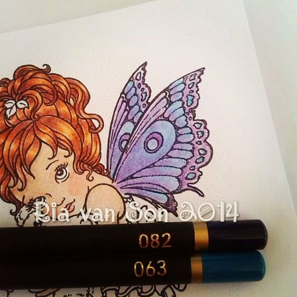 Colouring Sweet Pea Stamp with Spectrum Noir pencils