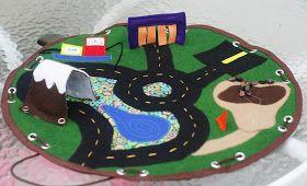 Felt Car Playmat. Turns into a drawstring bag storing the cars inside. Wonderful Idea!