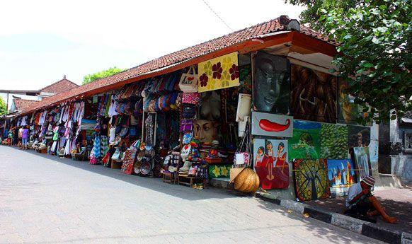 Shopping at Art Market. - Picture of Kuta Art Markets, Kuta ...