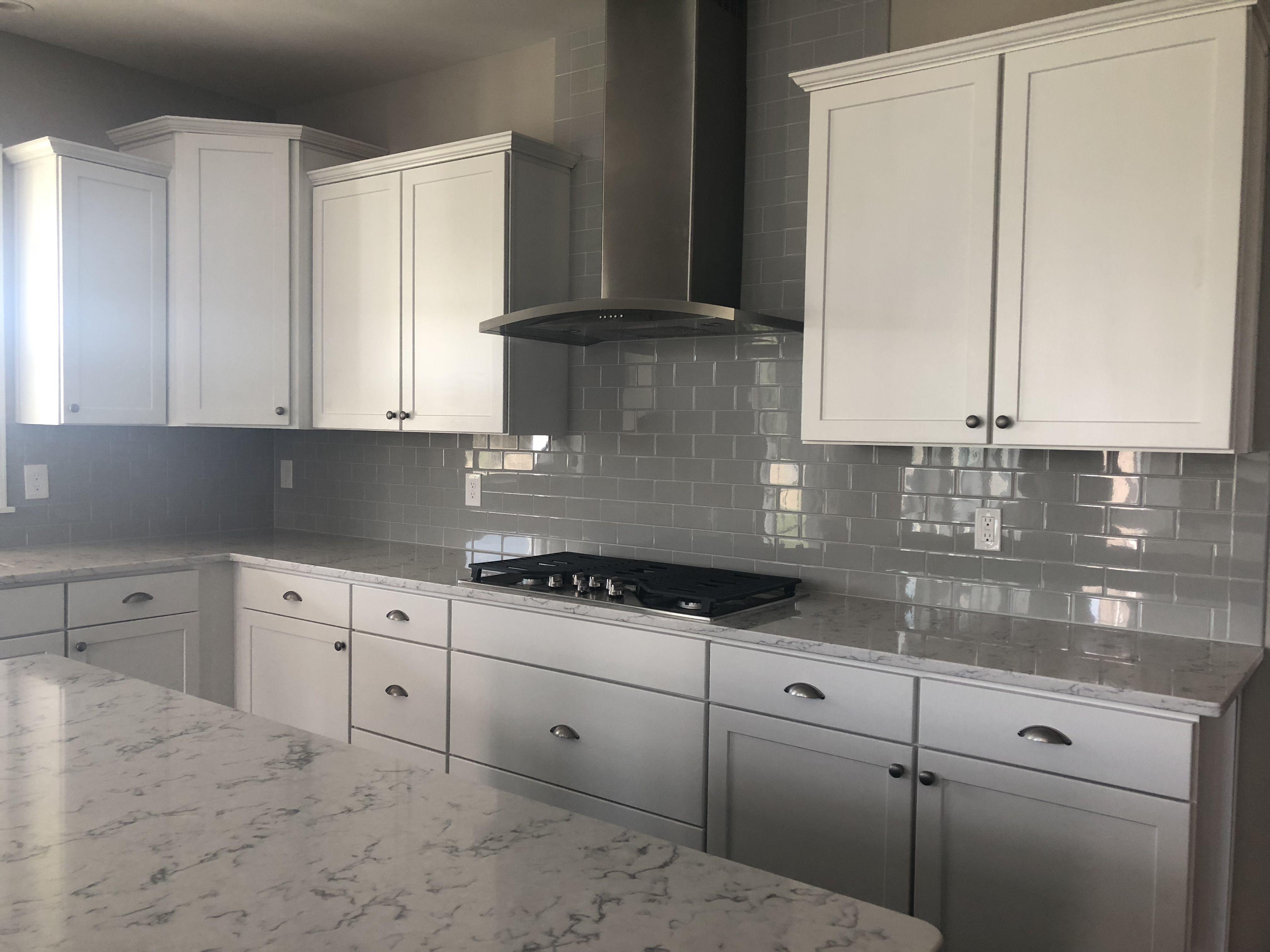 Winstead White Perimeter Cabinets Gourmet Kitchen Kitchen Design Kitchen Sweet Home