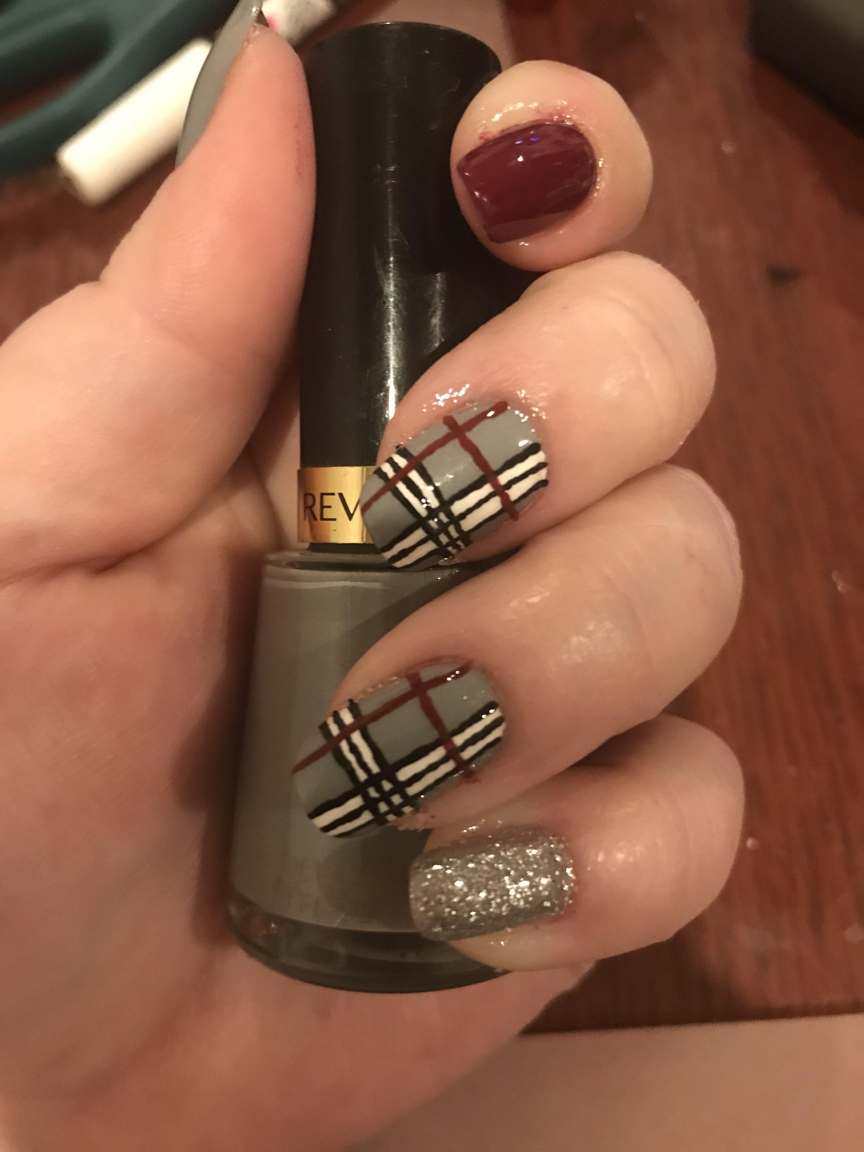 12 Modern Checkered Nail Art Designs photo