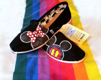 Womens 6 Disney Toms Brand New in Box Minnie by eastbaycalifornia