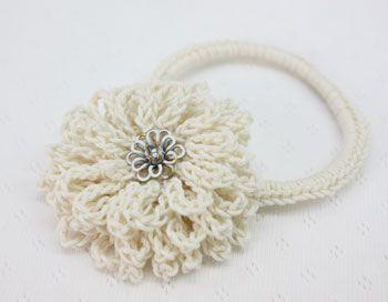 白い花のヘアゴムの作り方 手順|8|編み物|編み物・手芸・ソーイング|ハンドメイドカテゴリ|ハンドメイド、手作り作品の作り方ならアトリエ