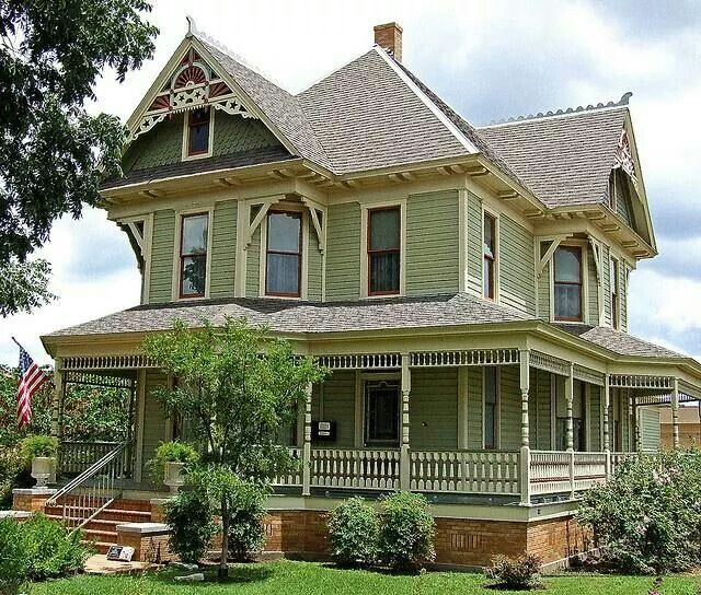 That Front Porch Victorian Homes House Exterior Victorian Architecture