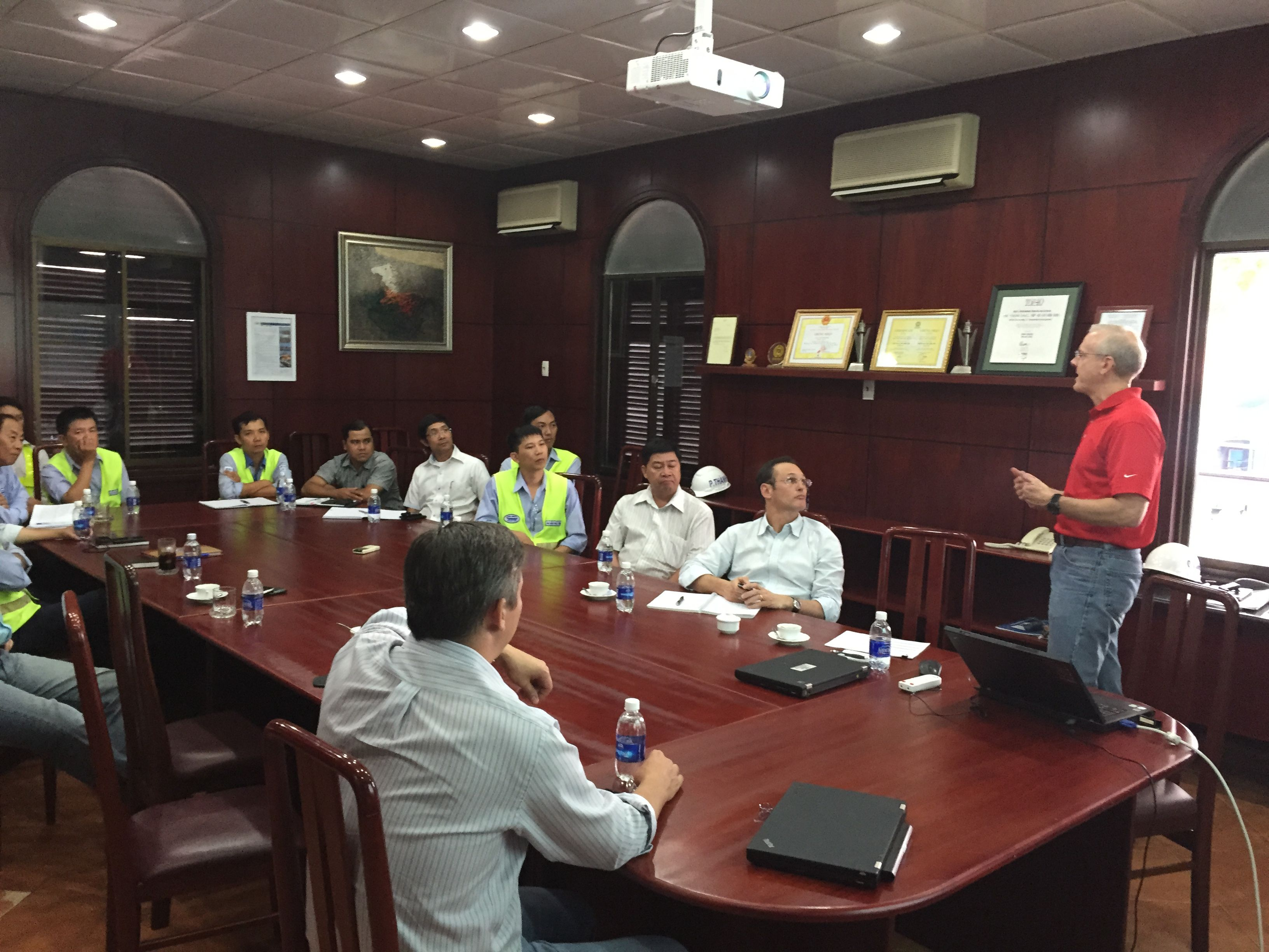 BungeS Global Safety Director Mike Snow Speaks To The Team In Phu